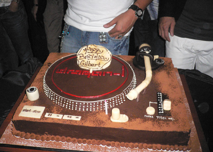 Gilbert's Technics 1200 birthday cake!