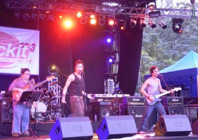 Soler performing