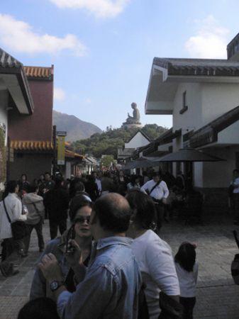 walk to big buddha hk hong kong
