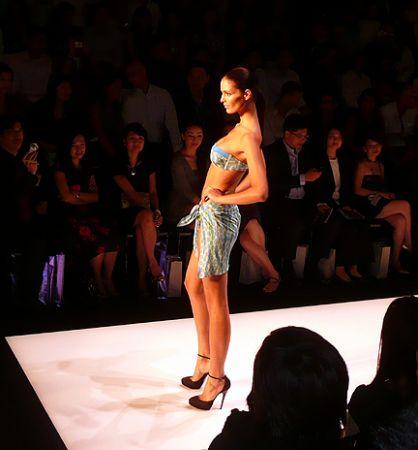 La_Perla_fashion_show_Hong