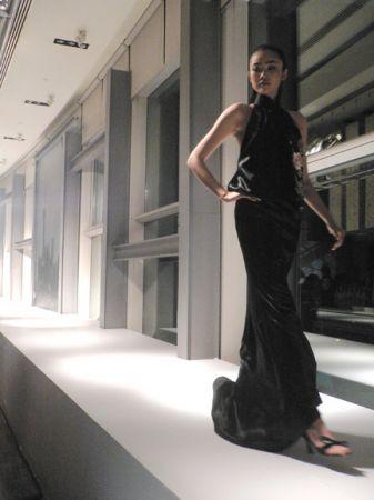 shanghai tang fashion show hk hong kong