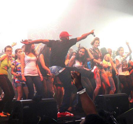 pharrell williams hong kong blohk party hk concert band