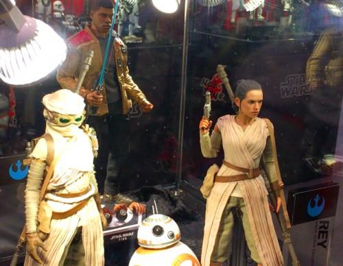 hot toys star wars figures rey